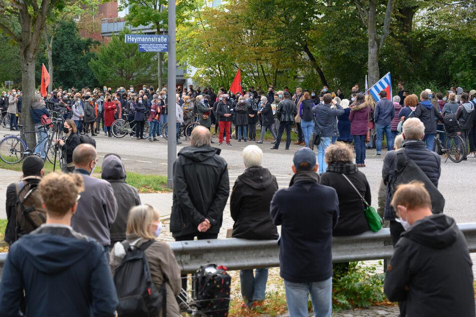 Nach Angriff vor Hamburger Synagoge: 200 Menschen setzen Zeichen der Solidarität
