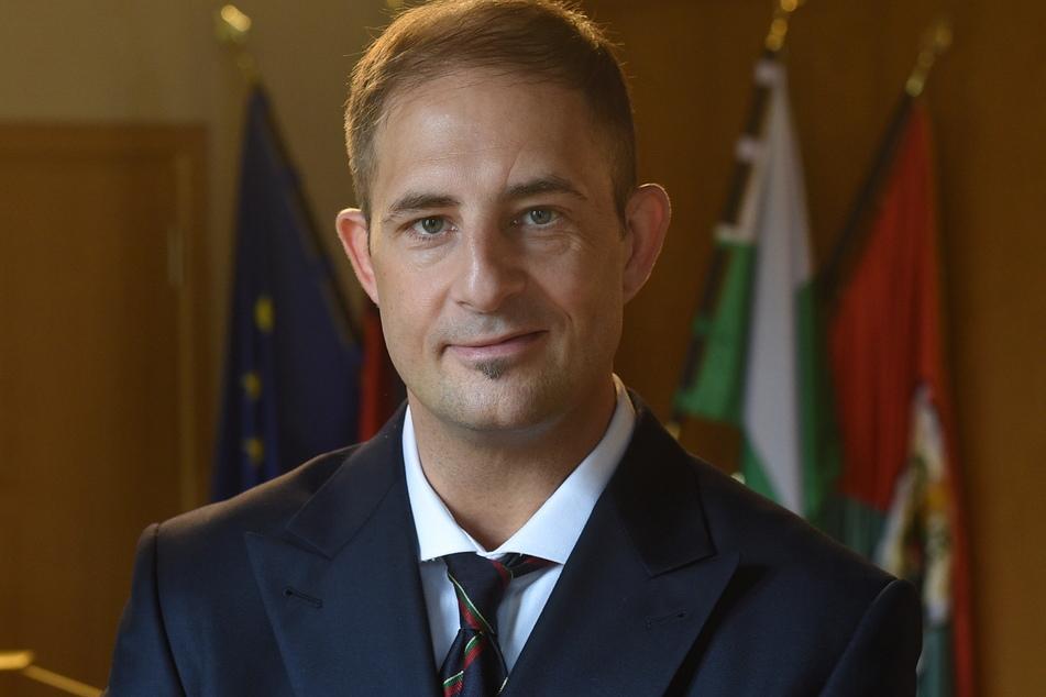 Jesko Vogel (46, Freie Wähler), Oberbürgermeister von Limbach-Oberfrohna, ist unzufrieden mit dem Krisenmanagement im Landkreis Zwickau.