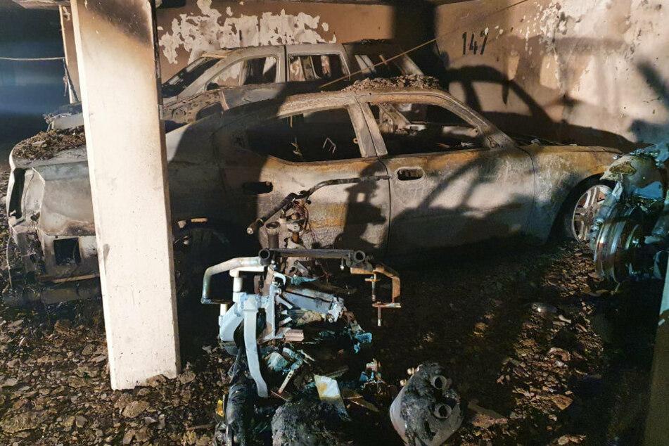 Autos in Tiefgarage in Schönefeld ausgebrannt