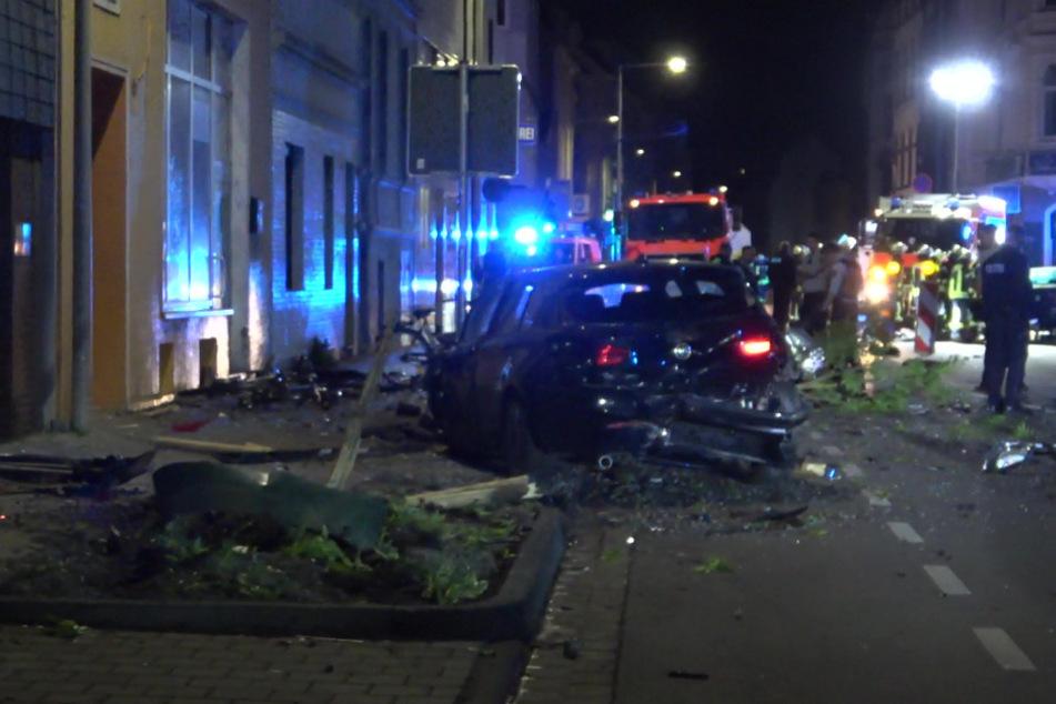 Die Flucht des Autofahrers endete mit einem heftigen Unfall auf der Römerstraße in Bonn.