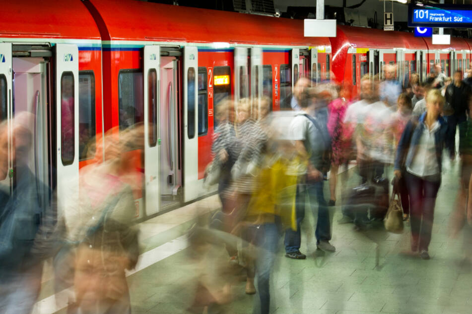 Acht der neun S-Bahn-Linien in Frankfurt sind betroffen (Symbolbild).