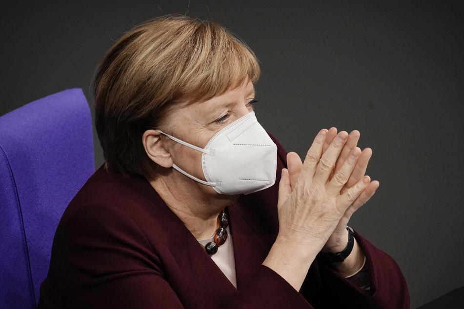 Bundeskanzlerin Angela Merkel (CDU) fordert von Bund und Ländern ein gemeinsames Vorgehen beim Kampf gegen Corona.