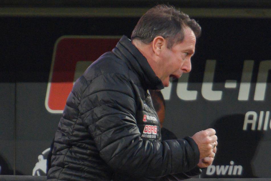 Dynamos Trainer Markus Kauczinski (50) jubelte erleichtert nach dem Erfolg gegen die Sechziger