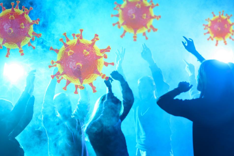 Für neun Personen endete eine Corona-Party in Freiberg mit Anzeigen (Symbolbild).