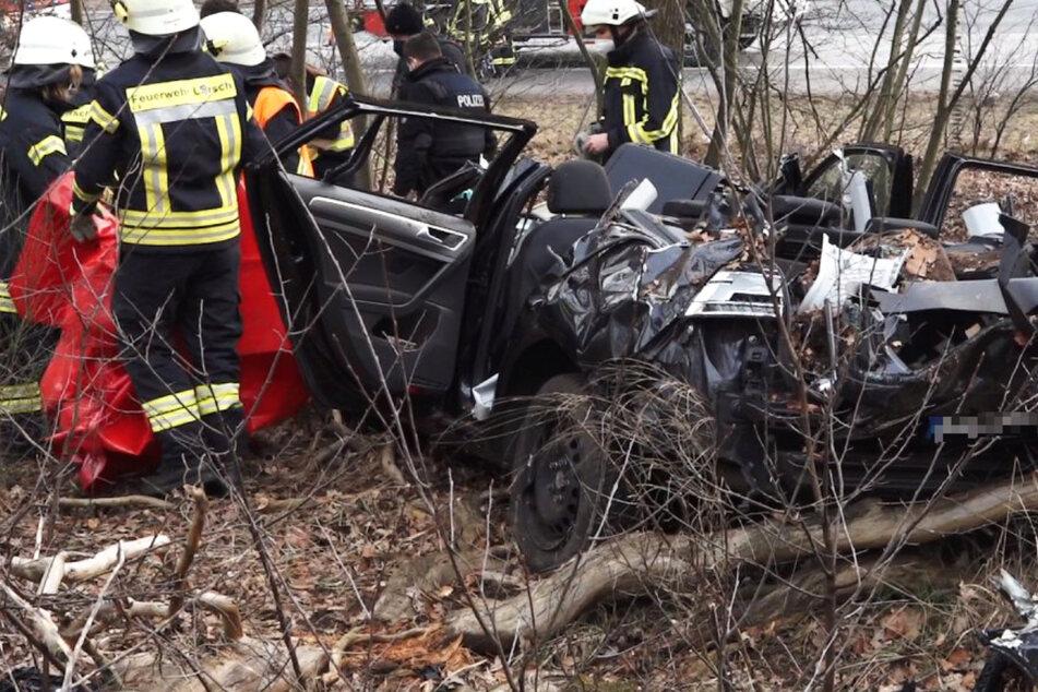 Auto überschlägt sich mehrfach: Mann bei Autobahn-Unfall schwer verletzt