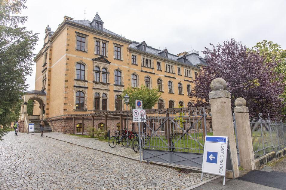 60 Schüler und acht Lehrer des Carl-von-Bach-Gymnasium in Stollberg mussten in Quarantäne.