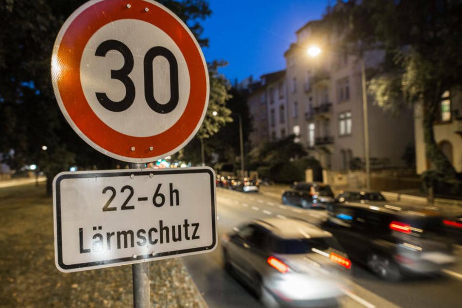 Zu den Strecken mit dem dichtesten Verkehr in Frankfurt gehört nach der Analyse der Alleenring (Archivbild).
