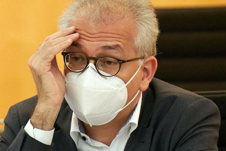 """""""Die Corona-Pandemie ist nicht nur noch da, sie hat sich mit voller Wucht sehr gefährlich weiterentwickelt"""", sagte Vize-Ministerpräsident Tarek Al-Wazir (Grüne) am Samstag im Landtag."""