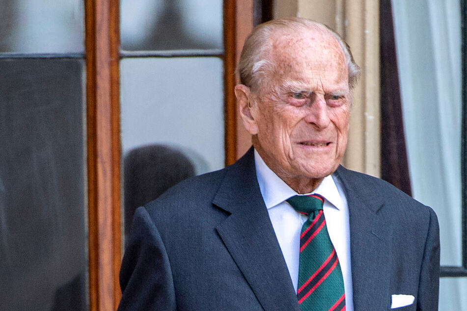 After heart surgery: Prince Philip transfers hospitals again!