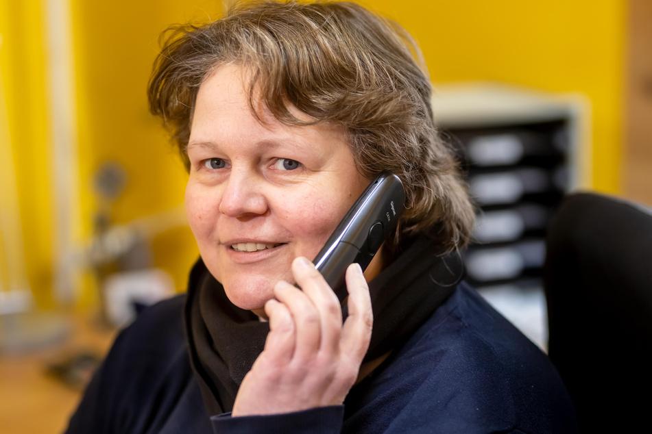 Die Chemnitzer Heilsarmee-Kapitänin Claudia Klingbeil (43) kann wegen Corona nur noch telefonisch beraten.