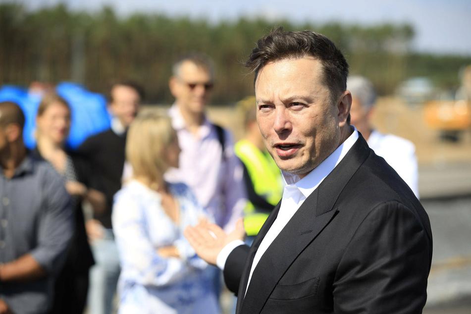 Elon Musk (49) is now an Austinite.