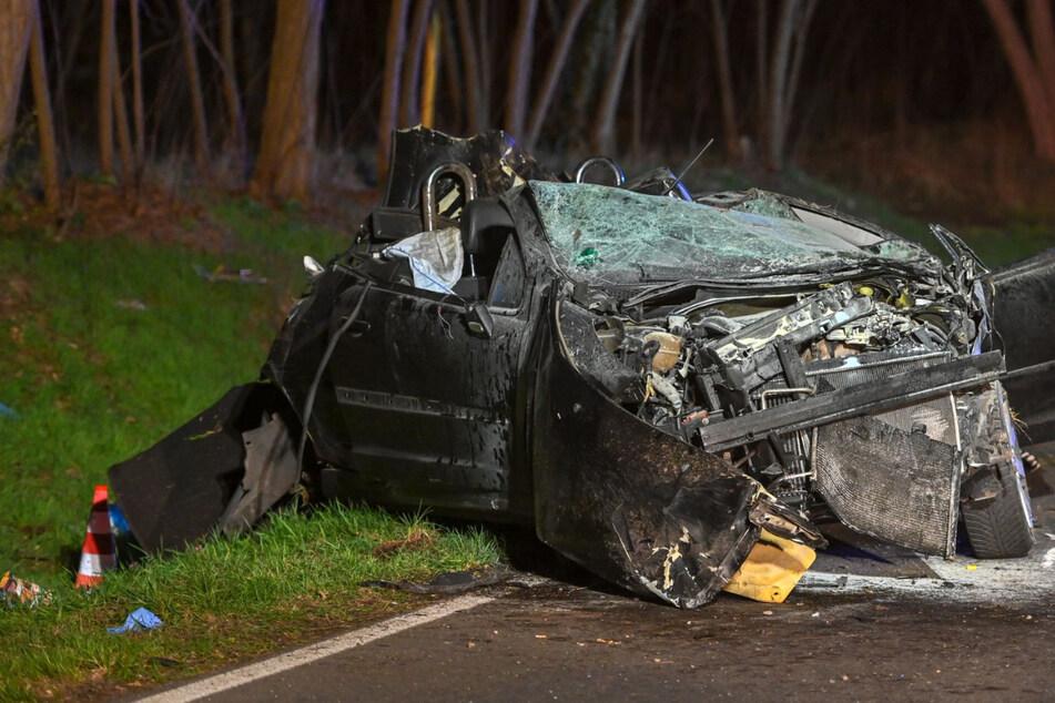 Dramatische Verfolgungsjagd endet tragisch: Beifahrerin stirbt bei Unfall