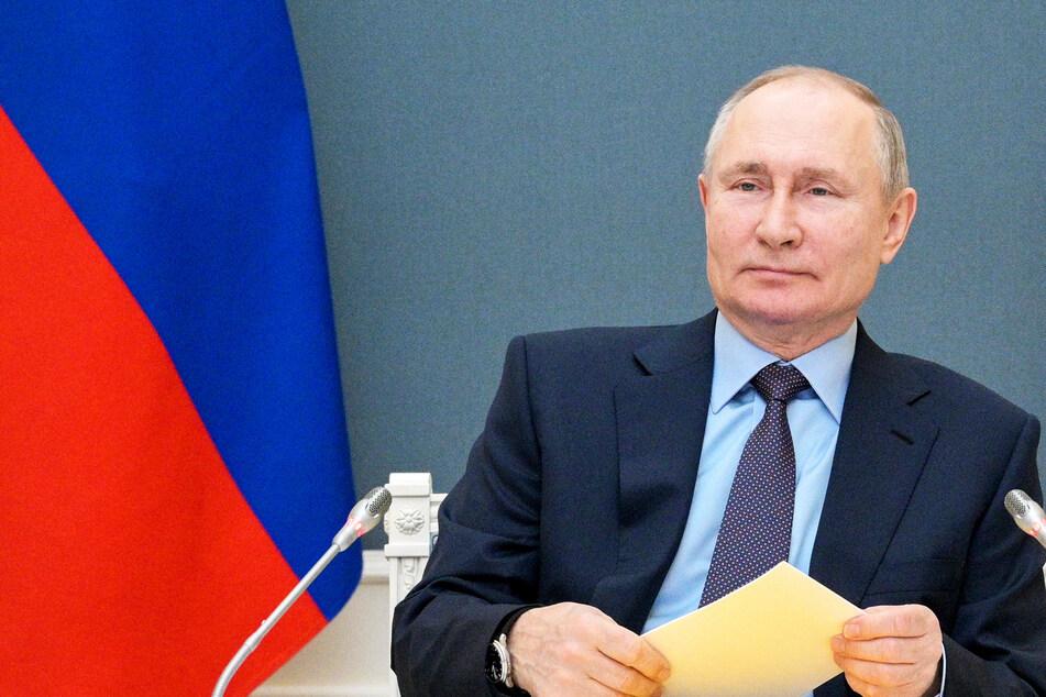 Vier neue Feiertage! Russland reagiert auf Corona-Reisen