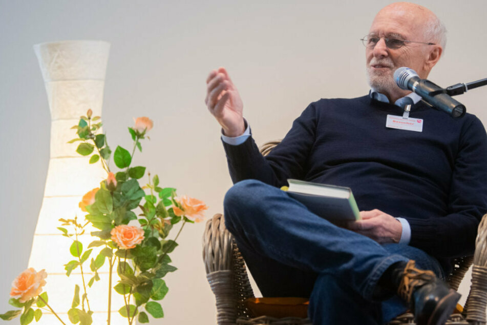 Dirk Roßmann ist der Unternehmer der Drogeriekette Rossmann.