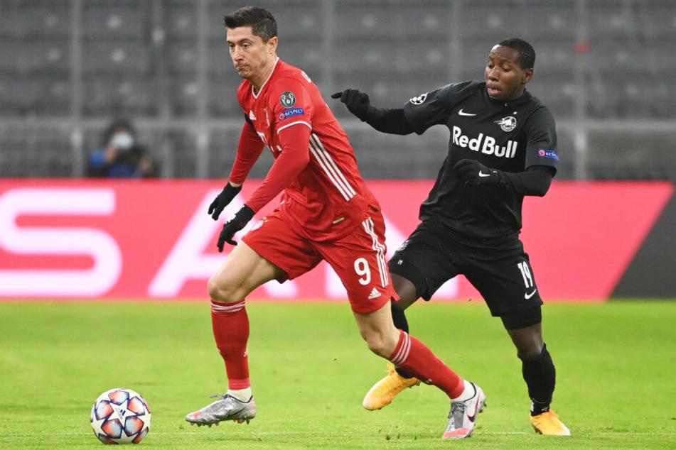 Robert Lewandowski (l.) und der FC Bayern München taten sich gegen RB Salzburg in der Champions League in der Anfangsphase der Partie schwer.