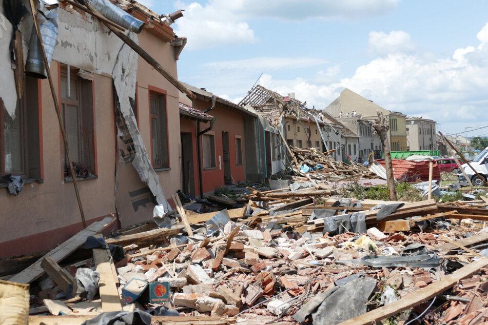 In Südmähren verwüste ein Tornado letzte Woche zahlreiche Dörfer.