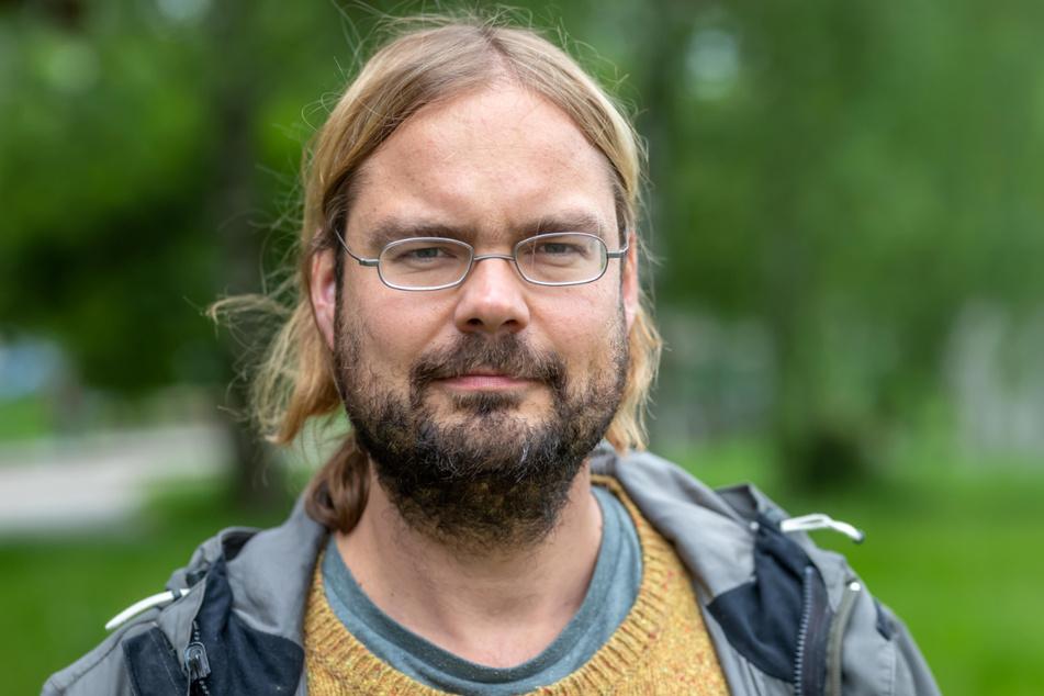 """Franz Knoppe (39, Grüne) kritisiert: """"Die tagesaktuellen Corona-Zahlen des RKI sind unvollständig."""""""