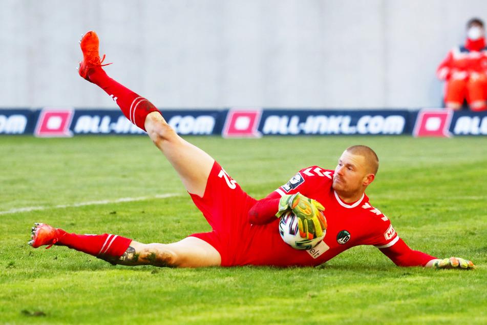 Der auslaufende Vertrag von Stammkeeper Lukas Raeder (27), der in allen 34 Liga-Spielen im Kasten stand, soll nicht verlängert werden.
