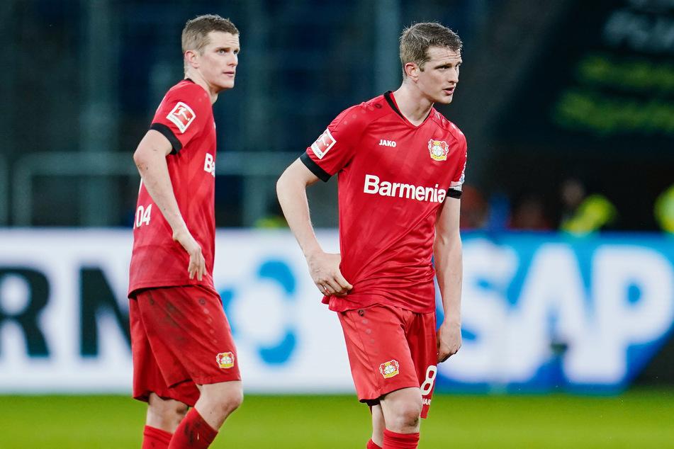 Leverkusens Sven (31, l.) und Lars Bender (31) werden ihre Verträge zum Sommer 2021 auslaufen lassen.