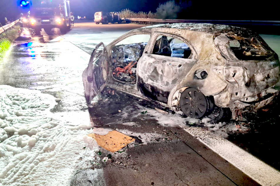 Unfall A9: Junger Mann rettet Senioren vor dem Flammentod auf der Autobahn!
