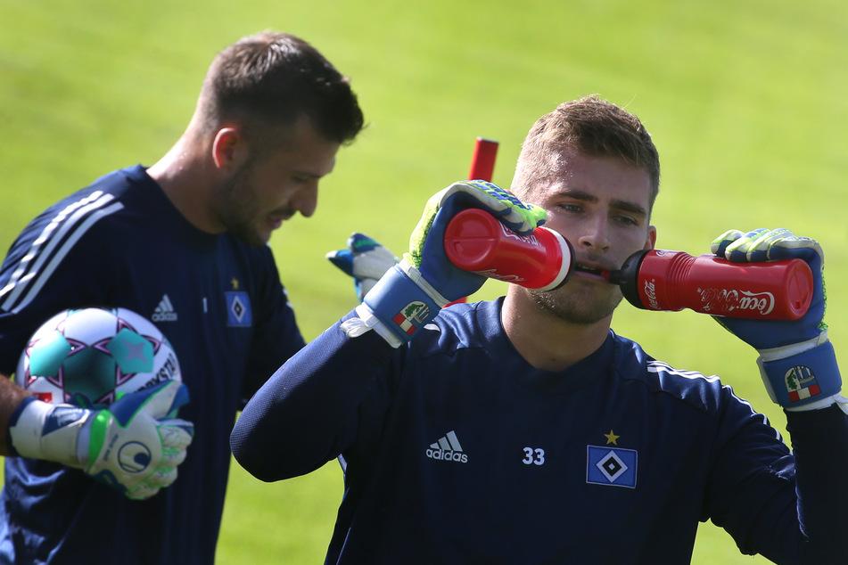 Torwart Julian Pollersbeck wechselt vom HSV zu Olympique Lyon.