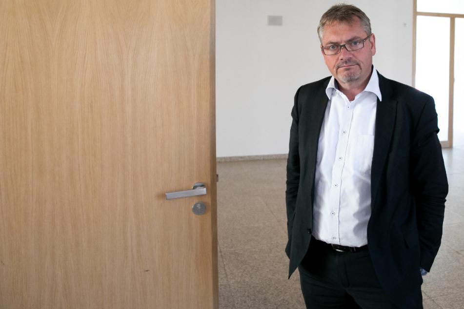 Frank Hannig (49, Freie Wähler) fordert mehr Schutz für die Rathaus-Mitarbeiter.