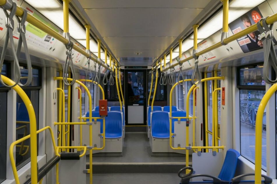 In Chemnitz wurde eine Frau in einer Straßenbahn angegriffen. (Symbolbild)