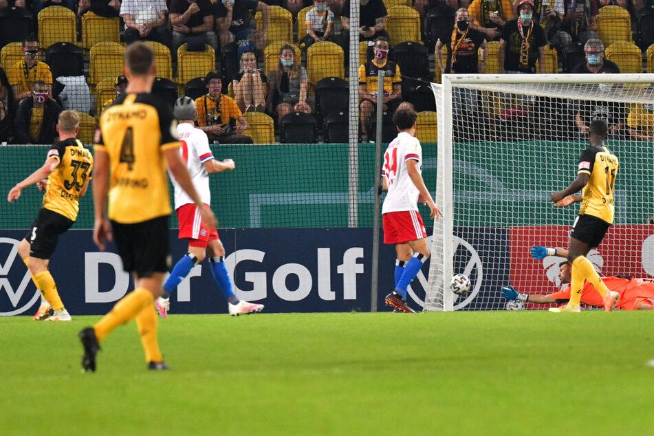 Christoph Daferner (23, l.) weiß, wie man gegen den HSV trifft, erzielte vor einem Jahr im DFB-Pokal das 3:0.