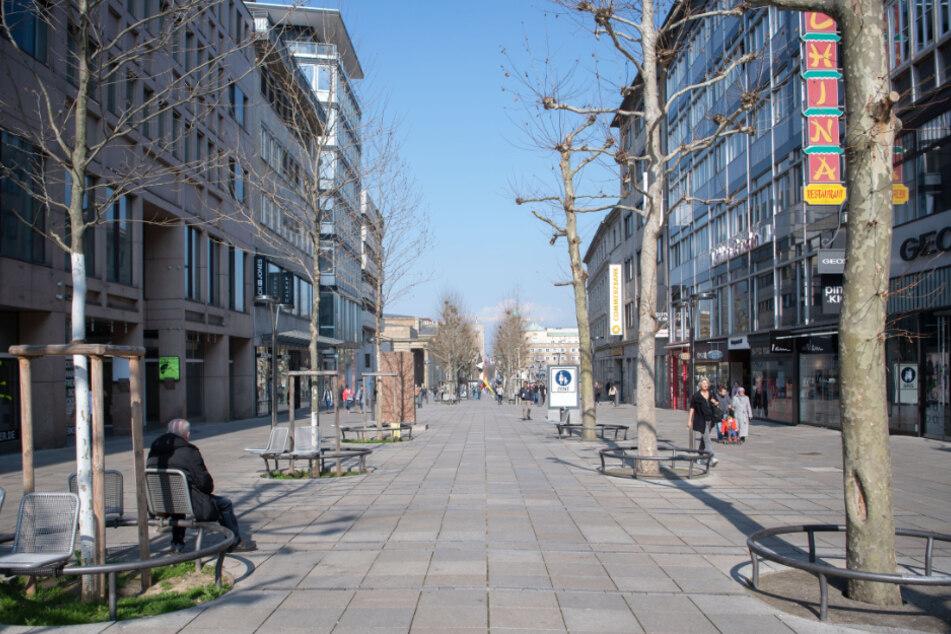 Die Königstraße in Stuttgart ist fast menschenleer.