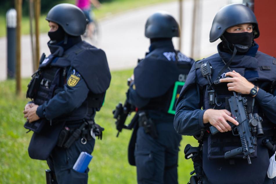 Polizisten bedroht und entwaffnet: Suche in Oppenau geht weiter