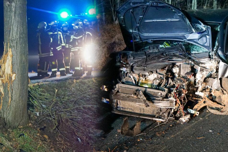 Schwerer Unfall auf der Landstraße: VW kracht frontal gegen eine Baum!