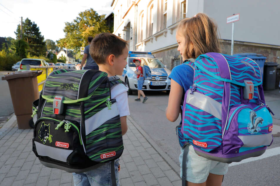 Ab Montag sind wieder zahlreiche Schulkinder unterwegs. Deswegen kümmert sich die Stadt Chemnitz weiterhin um einen noch sichereren Schulweg.