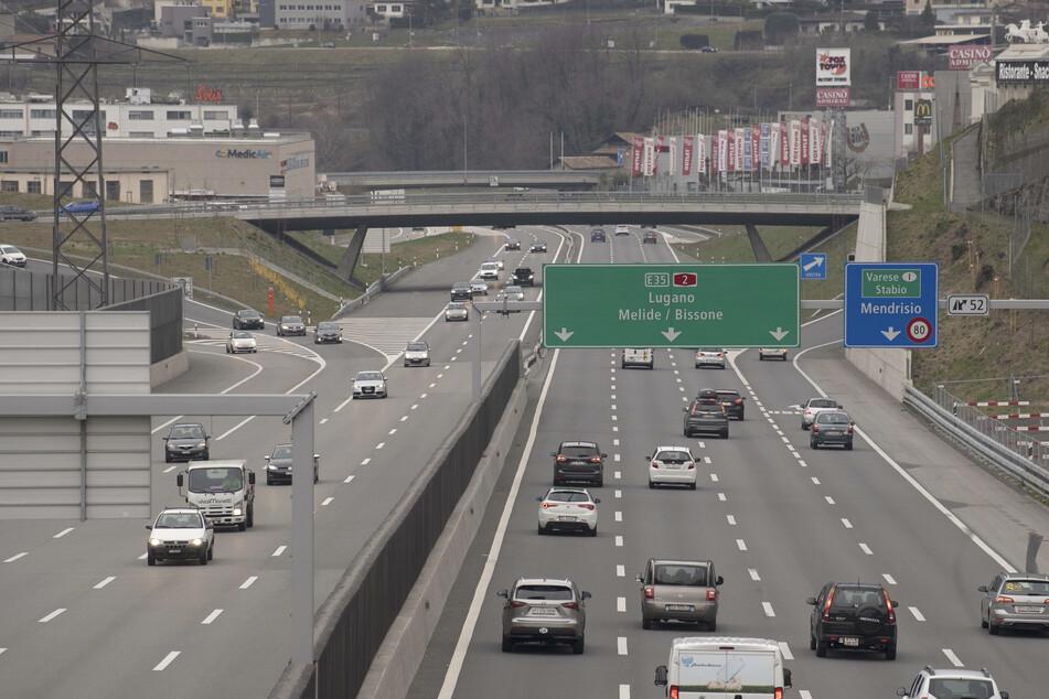 Auf der Autobahn rechts vorbei: Neue Verkehrsregeln in der Schweiz