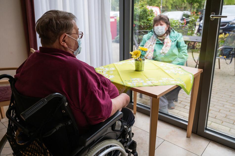 Chemnitz: Streit um Besuche in Pflegeheimen