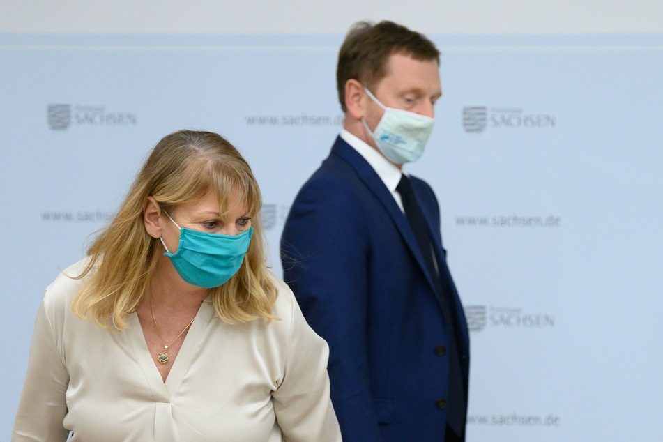 Ministerpräsident Michael Kretschmer und Gesundheitsministerin Petra Köpping tauschten sich über schärfere Maßnahmen aus.