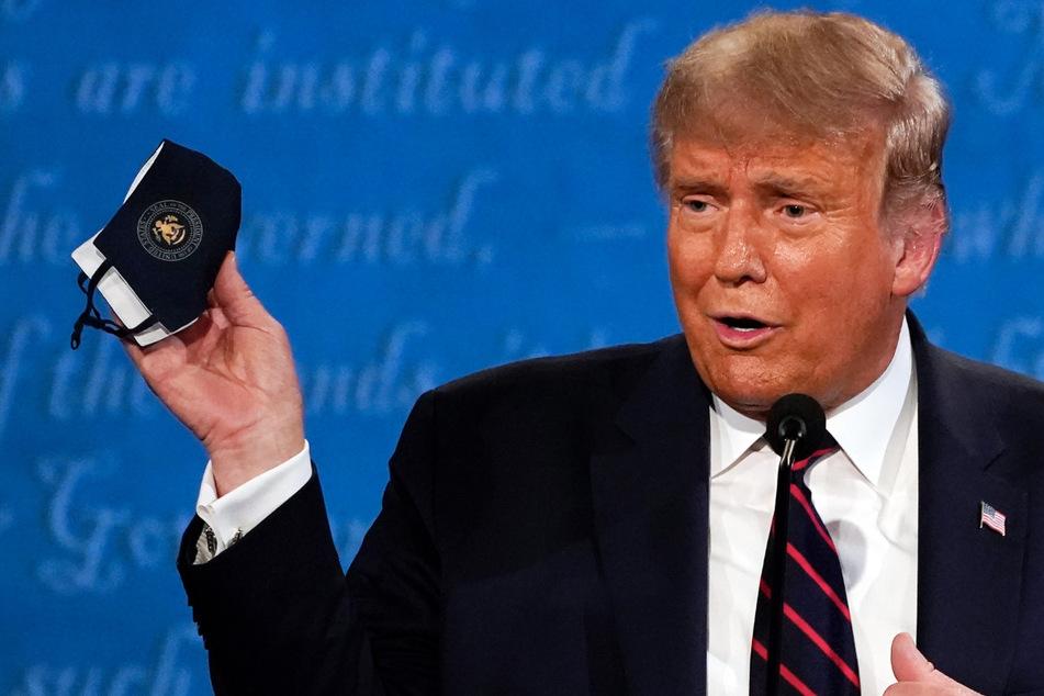 Alles Lüge!? Trump gar nicht mit Coronavirus infiziert?