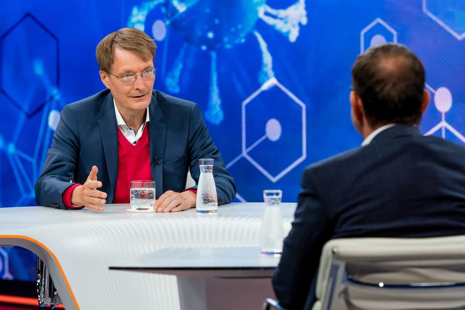 Der SPD-Gesundheitsexperte Karl Lauterbach (58) hofft, dass die Corona-Pandemie im Frühjahr weitgehend überstanden sein wird.