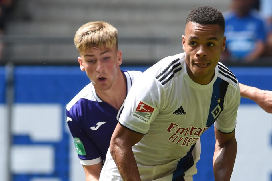 Jan Gymareah (25, r.) will nicht nur für den HSV spielen. (Archivbild)