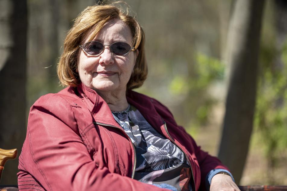 Jutta Oehme (80) aus Chemnitz findet die Überwachungsaktion vorübergehend okay.