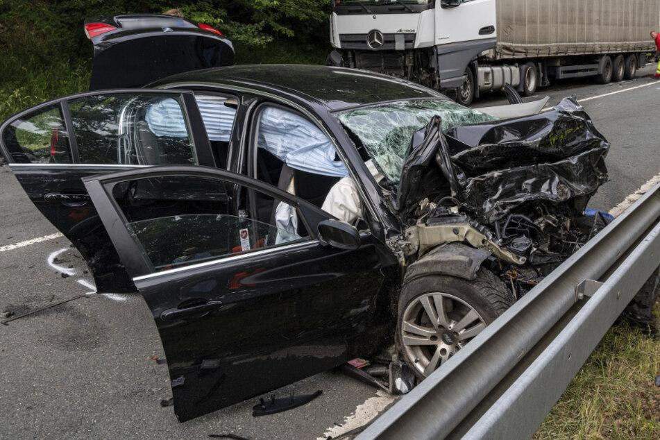 Auto gerät in Gegenverkehr: Drei Tote bei Horror-Unfall auf der L 512