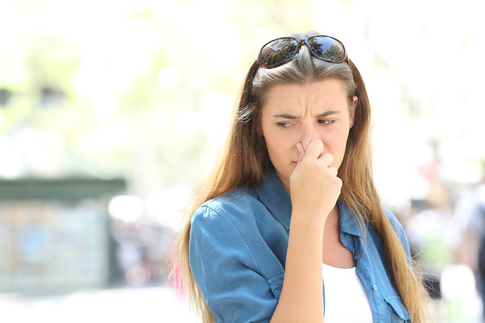 Der Geruch könnte die Anwohner bis zu acht Wochen begleiten. (Symbolbild)