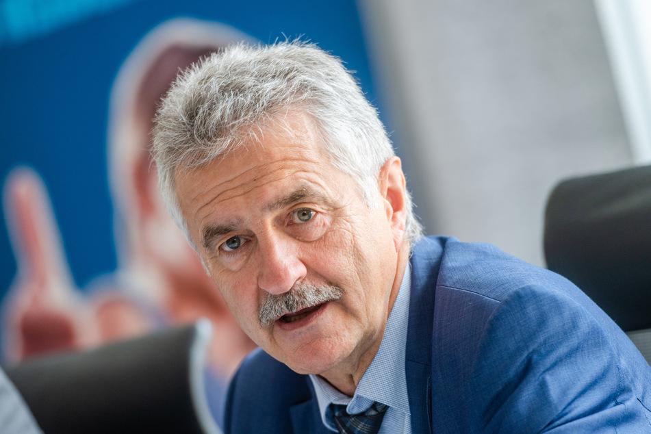 Hans-Joachim Wunderlich, Geschäftsführer der IHK Chemnitz möchte jungen Menschen in Sachsen trotz Corona-Krise eine berufliche Perspektive bieten (Archivbild).