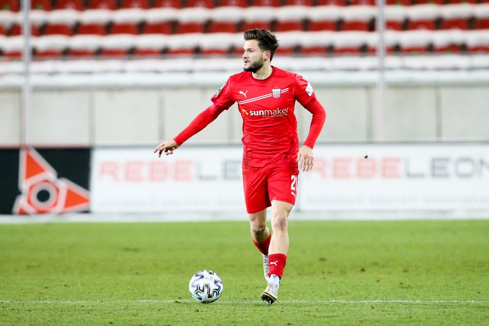 FSV-Spieler Marco Schikora wird ein weiteres Jahr für die Westsachsen spielen.