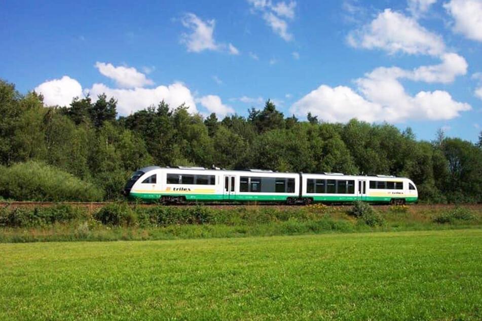 Ein Zug der Länderbahn in Ostsachsen. (Archivbild)