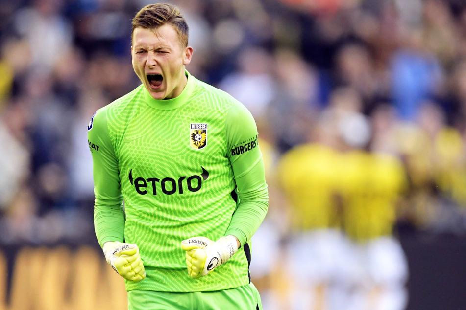 Proost volop: Marcus Schubert (23) speelde zijn rol bij de deelname van Vitesse Arnhem aan de groepsfase van de European Conference League.