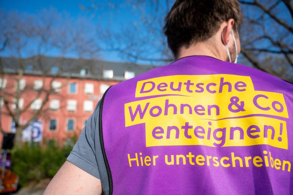 """Die Initiative """"Deutsche Wohnen & Co. enteignen"""" setzt sich dafür ein, Immobilien von Unternehmen in Berlin zu vergesellschaften."""