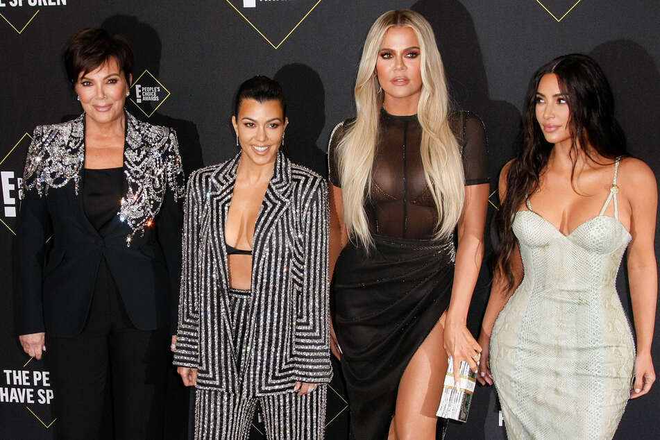 Die Kardashian-Familie: Kris Jenner (65, l-r), Kourtney Kardashian (42), Khloe Kardashian (36) und Kim Kardashian (40).
