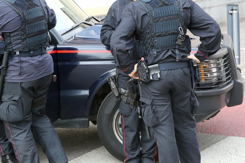 Insgesamt nahmen die Carabinieri 20 Leute fest. (Symbolbild)