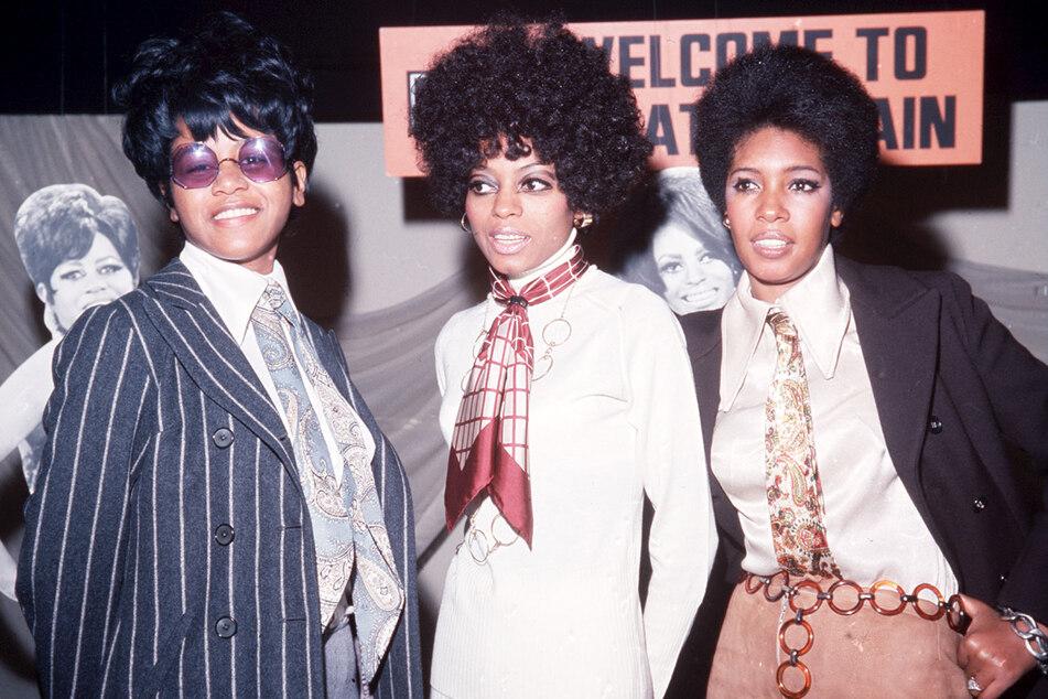 London 1968: Die US-amerikanischen Popsängerinnen Diana Ross (M.), Cindy Birdsong (l.) und Mary Wilson bei EMI Records.