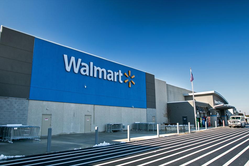 Die Vorderseite eines Walmart. (Archivbild)